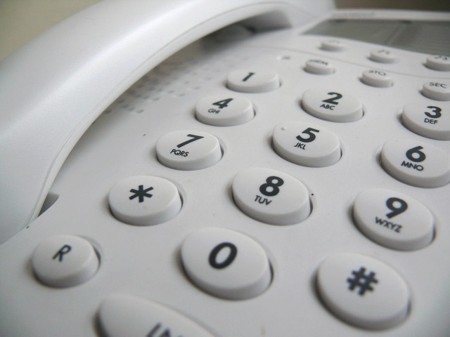 004 – Kaj je dobro vedeti, ko za vedeževanje pokličete na 090 linijo
